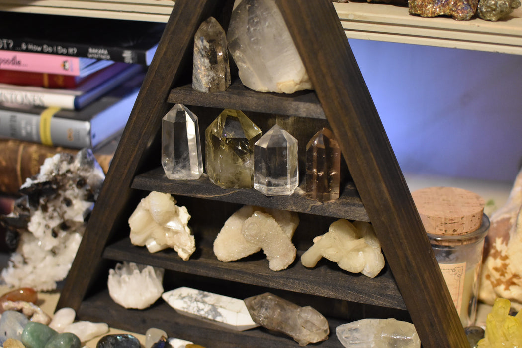 Flat Shelf Wooden Triangle Crystal Display Shelf