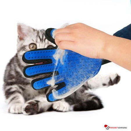 GROOMING GLOVE FOR SHEDDING PETS - ELIMINATE LOOSE SHEDDING HAIR! - GadgetEmporio.com