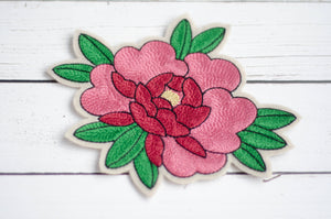 Patch brodé motif pivoine rose