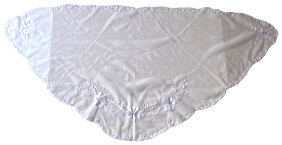 Devotional Sacrament Lace Veil Mass Head Coverings Mantilla Hand-Crafted Triangular Shape White Detailing White 2