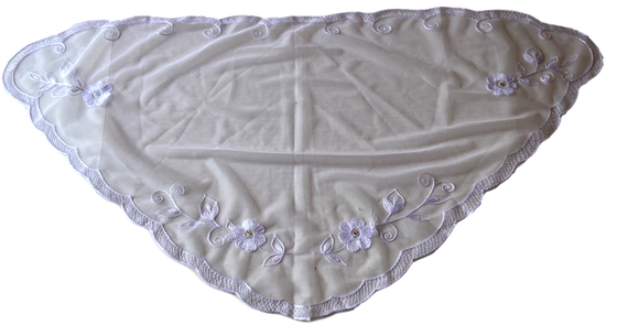 Devotional Sacrament Lace Veil Mass Head Coverings Mantilla Hand-Crafted Triangular Shape White Detailing White 5