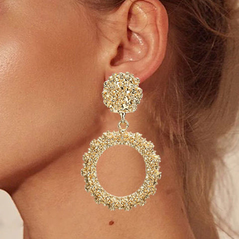 STICK CIRCLE DROP EARRINGS WITH SWAROVSKI CRYSTALS