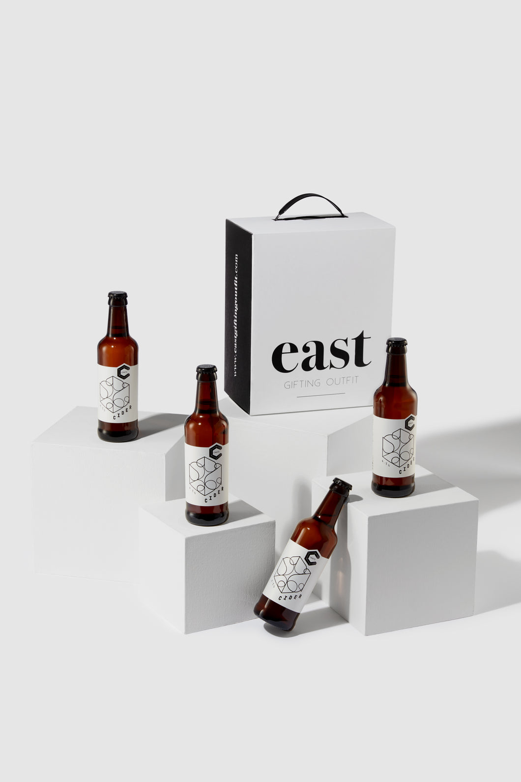 The River Lea Craft Cider Gift, East Gifting Outfit Luxury Monochrome Gift Box, 4x Semi-sweet Craft Apple Ciders from Crate Brewery