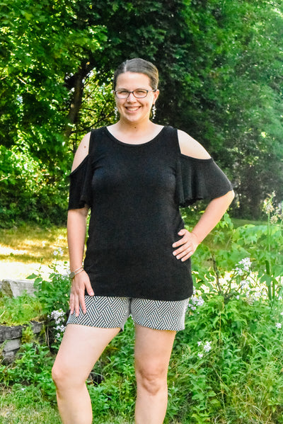 Hack a slimming look with the Gardenia and Phlox pattern mash-up!