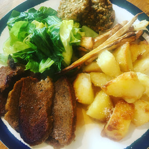 Roast dinner with sliced no moo in 'ere Quick Mix Seitan.