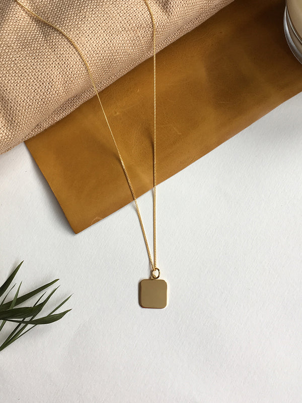 MINIMALIST SQUARE NECKLACE