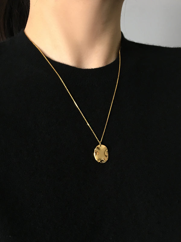 LIQUID GOLD PENDANT NECKLACE