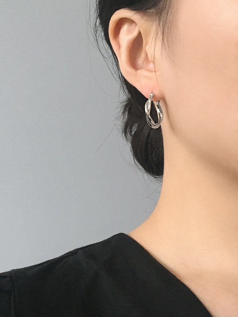 RELAXED BRAID SILVER HOOP EARRINGS