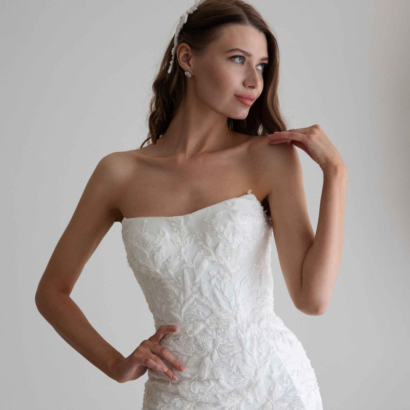 WHAT WEDDING GOWN NECKLINE SUITS YOU BEST?