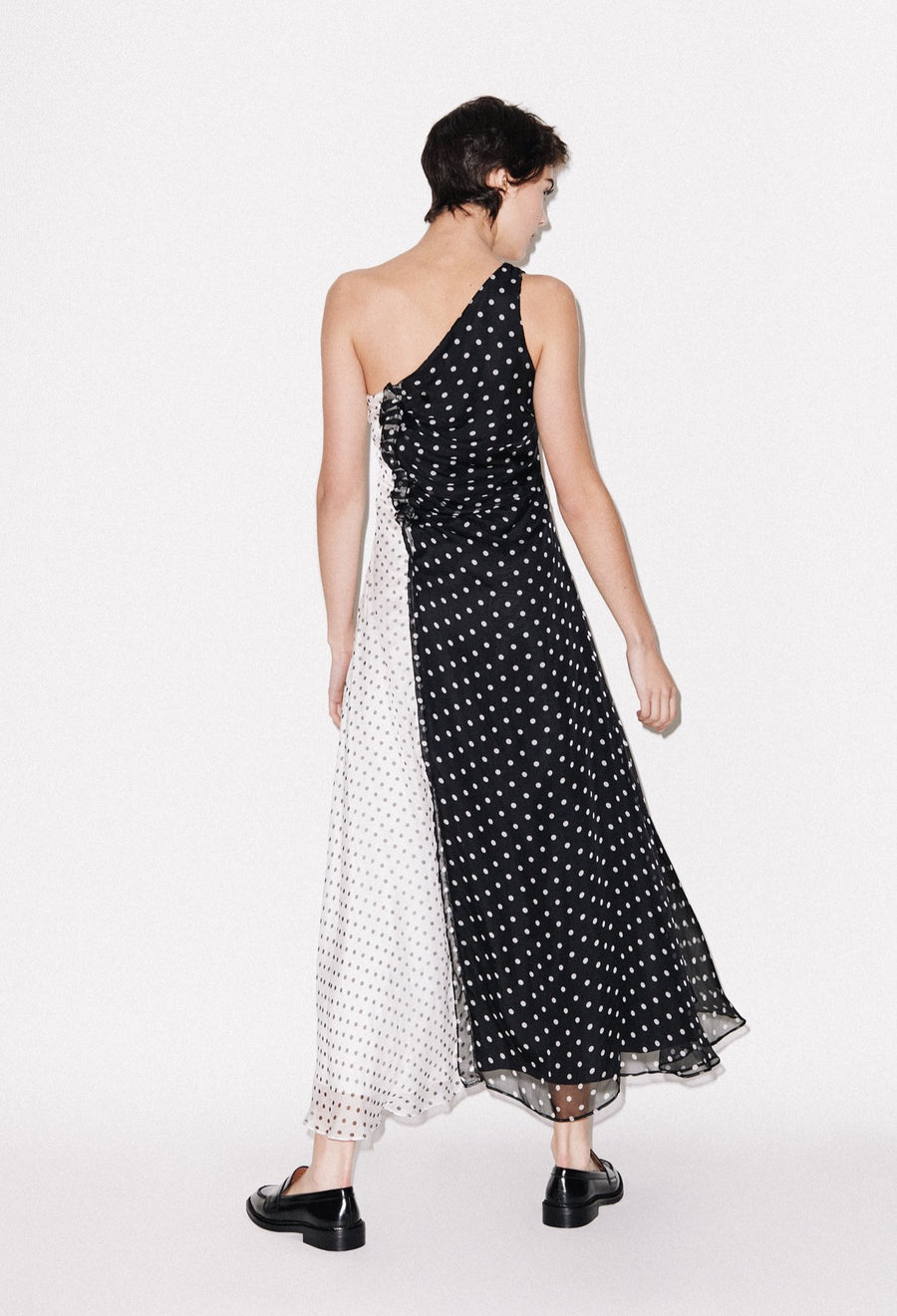 One Shoulder Polka Gathered Kleid