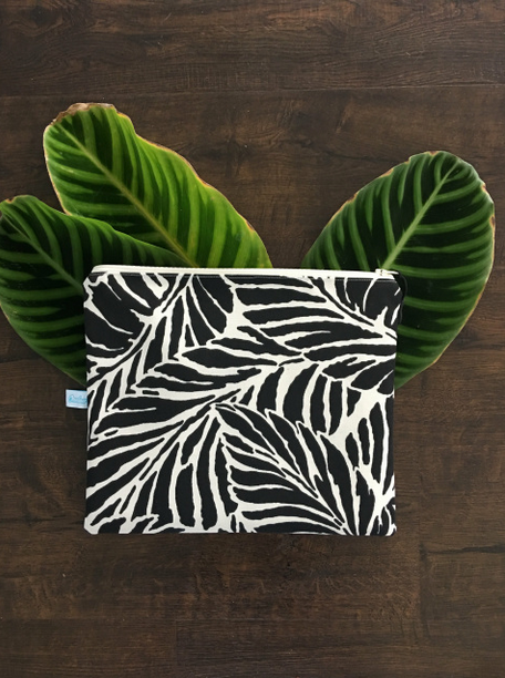 Oneloa Black Tropical Leaf Large Splashproof Bag