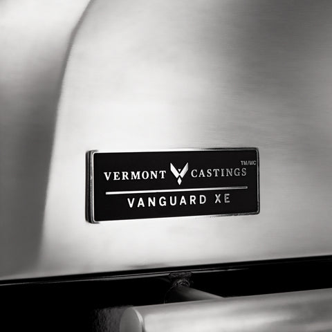 Vermont Castings Vanguard™ XE 4-Burner Premium Stainless Steel Convertible Gas BBQ Grill with Infrared Side-Burner