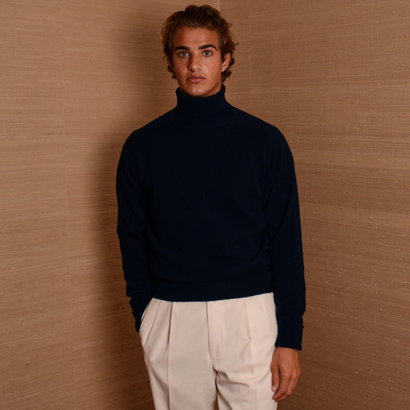 Rubato Standard Turtle Neck in Navy