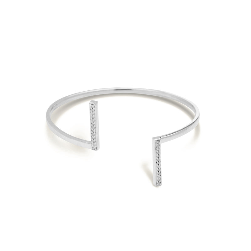 diamond bar bracelet for women in white colour