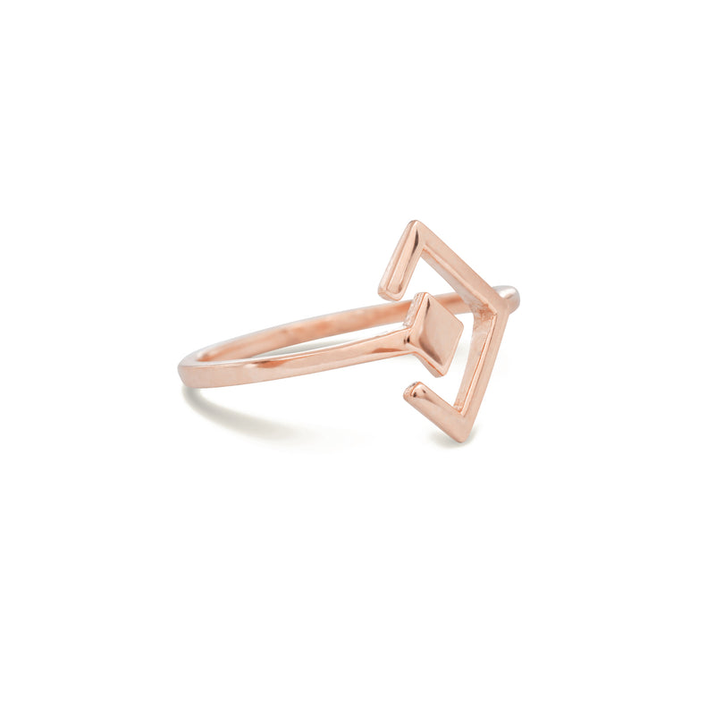 gold design ring for women in rose gold colour