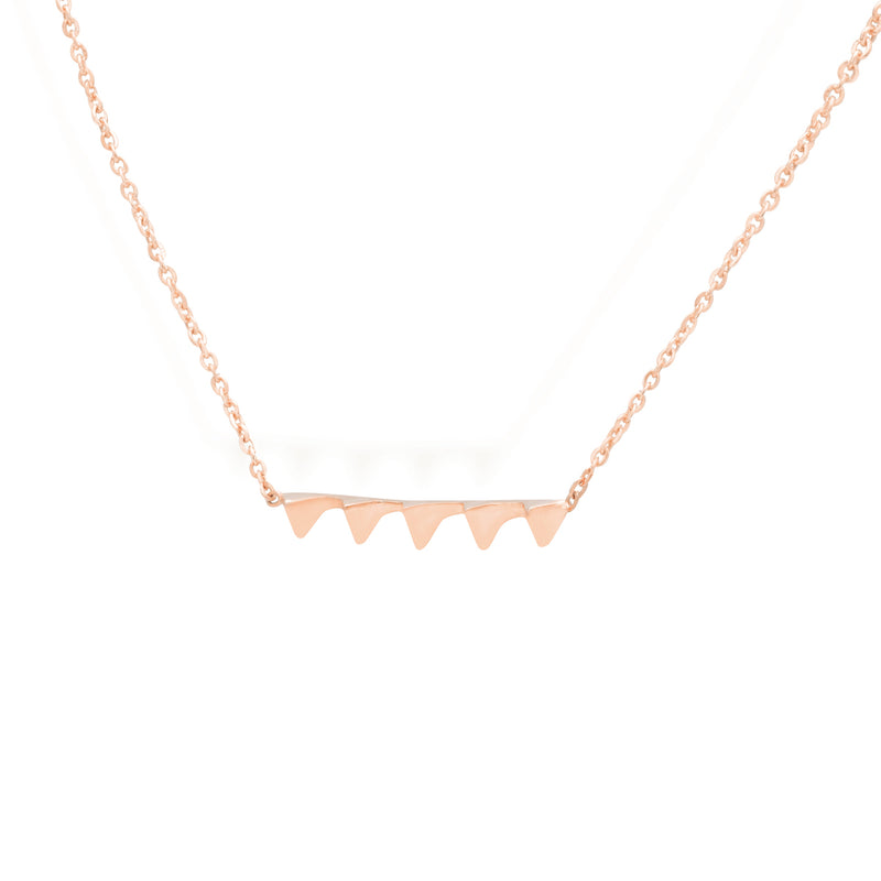 gold necklace for women in rose gold colour