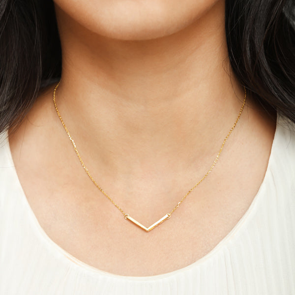Brushed Chevron Necklace for women,  Jewelry for girlfriend, minimalist jewellery, real gold jewelry, gold chain with pendant