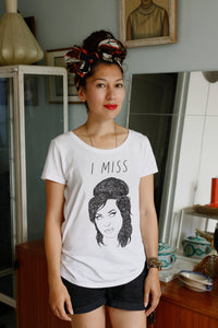 I MISS AMY WINEHOUSE women's tee