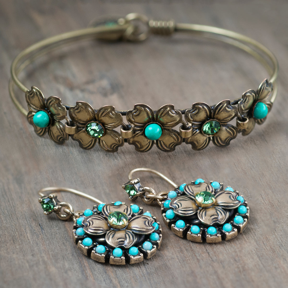 Dogwood Blossom Turquoise Bangle Bracelet & Earring Set