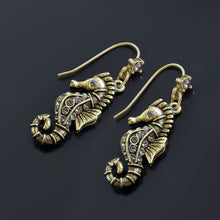 Load image into Gallery viewer, Seahorse Earrings E1421
