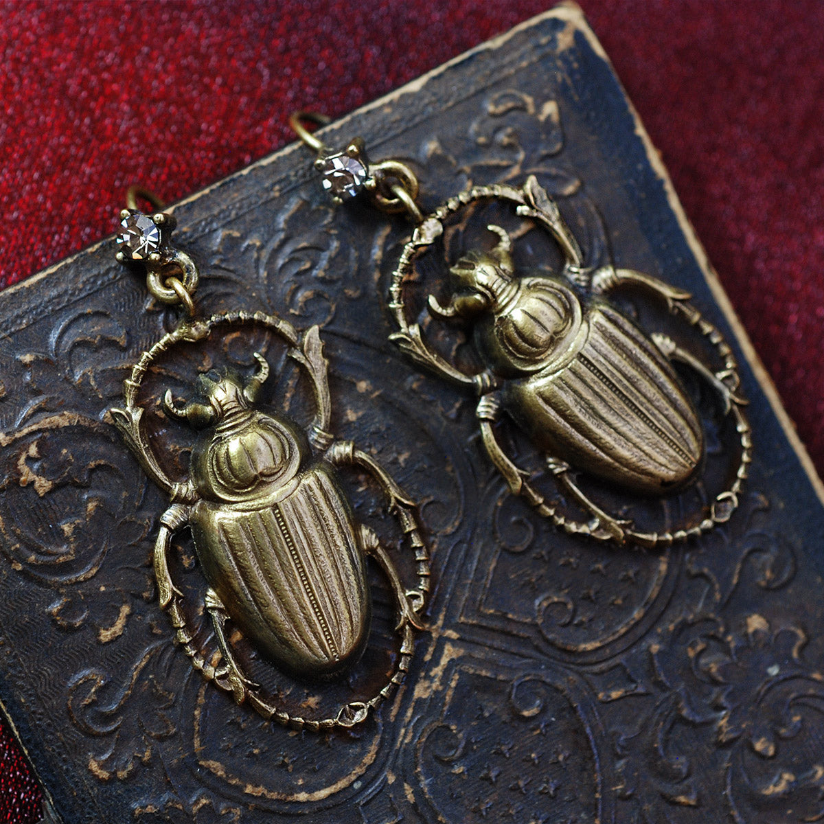 Elvira's Crawling Scarab Earrings EL_E121 - sweetromanceonlinejewelry