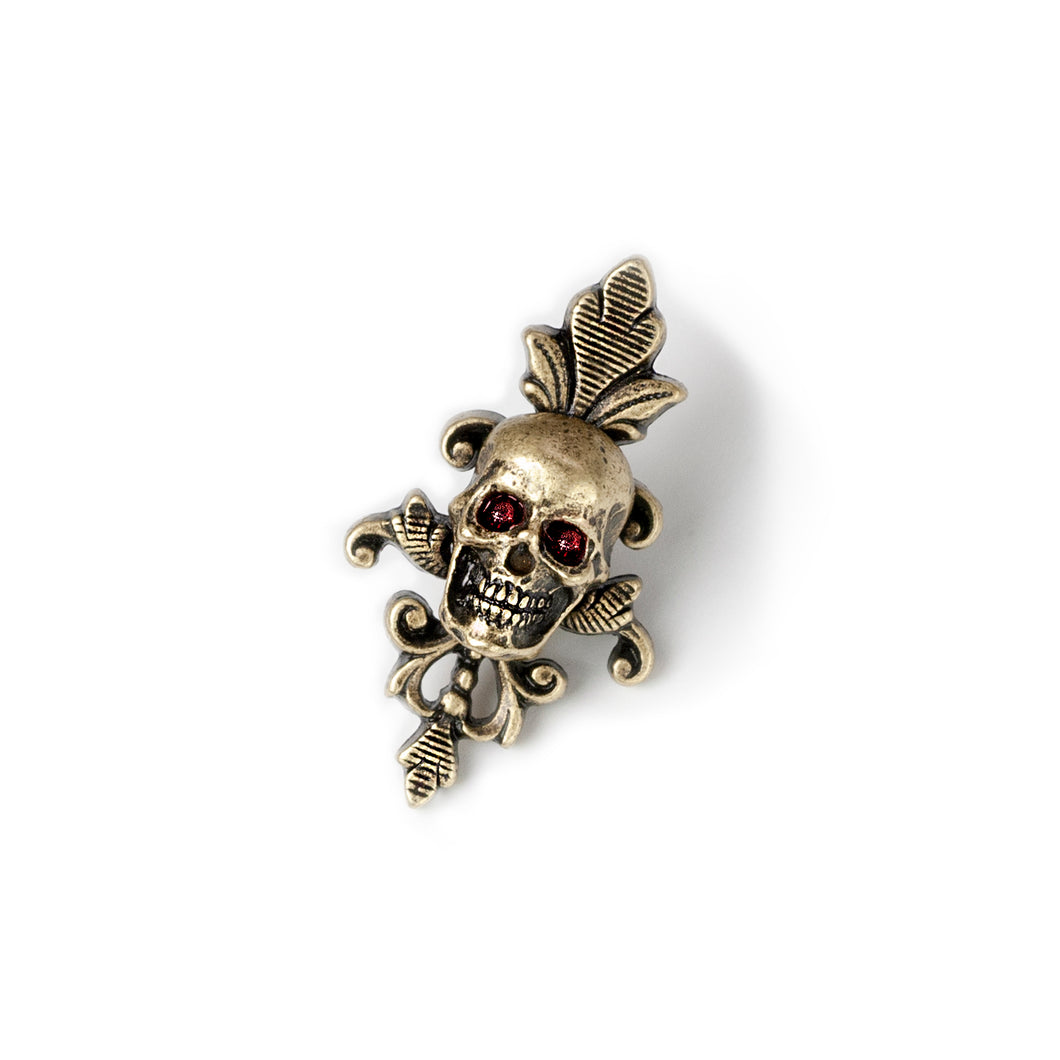 Small Gothic Skull Pin P656