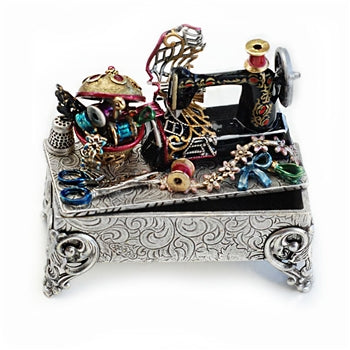 Vintage Sewing Machine Storybox - sweetromanceonlinejewelry