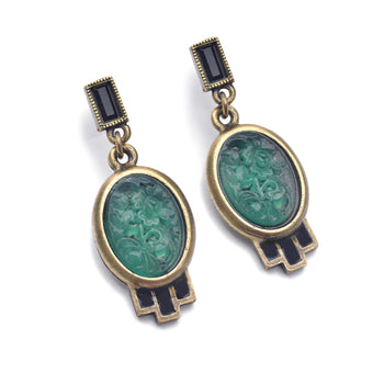Vintage Green Jadeite Oval Glass Earrings E739