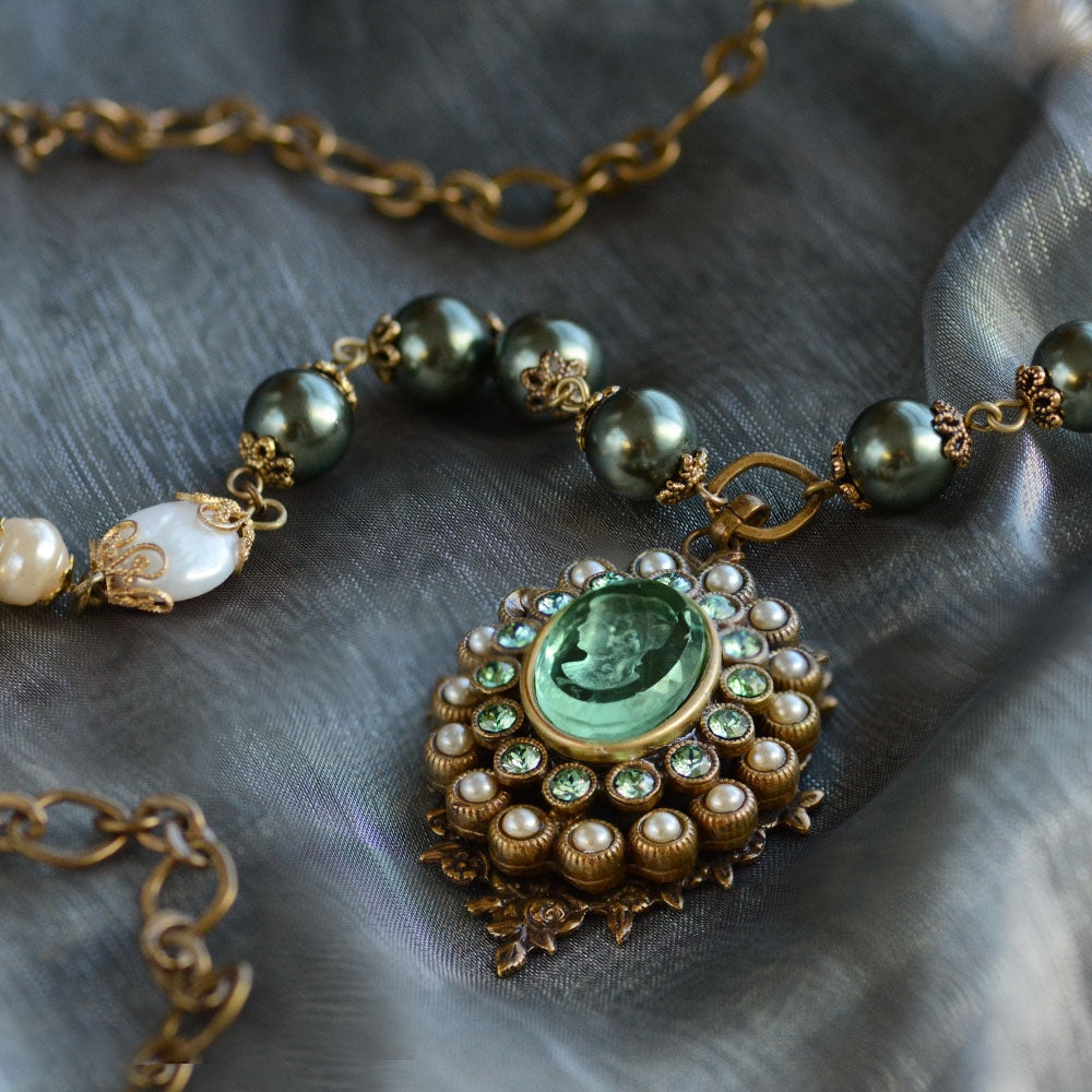 Forest Green Intaglio & Pearl Necklace N1268 - sweetromanceonlinejewelry