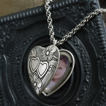 Sweet Heart Silver Locket - sweetromanceonlinejewelry