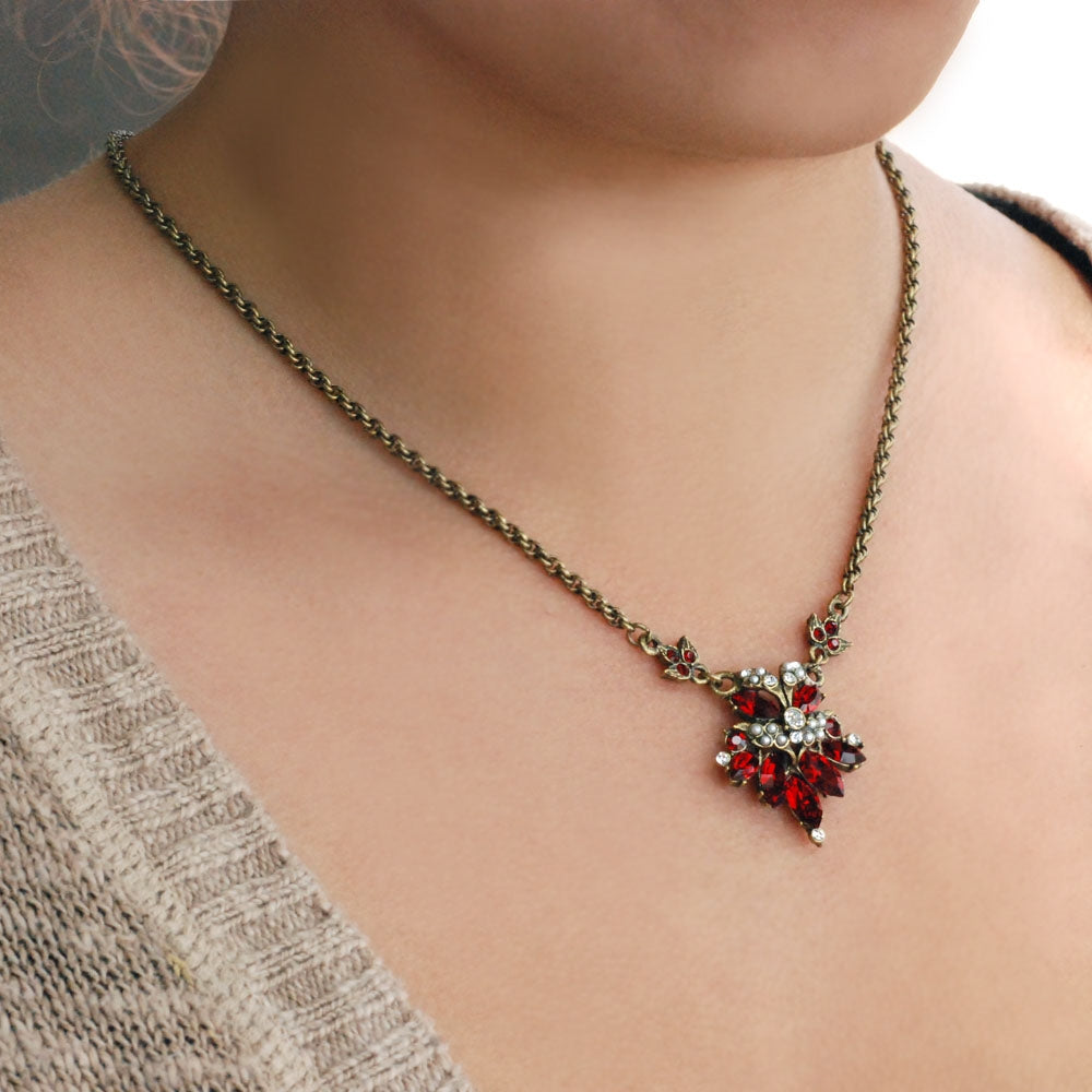 Vintage Crystal Necklace N774 - sweetromanceonlinejewelry
