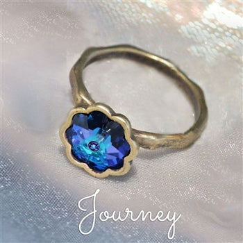 Vintage Crystal Flower Ring R569 - sweetromanceonlinejewelry