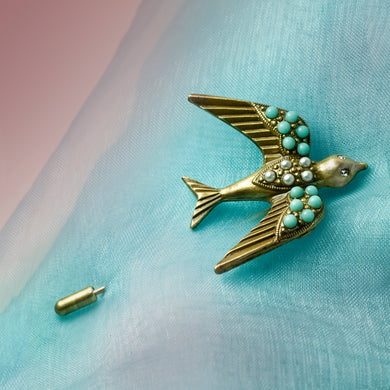 Flying Swallow Pin P671 - sweetromanceonlinejewelry