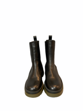Load image into Gallery viewer, Leather boot with green rubber sole