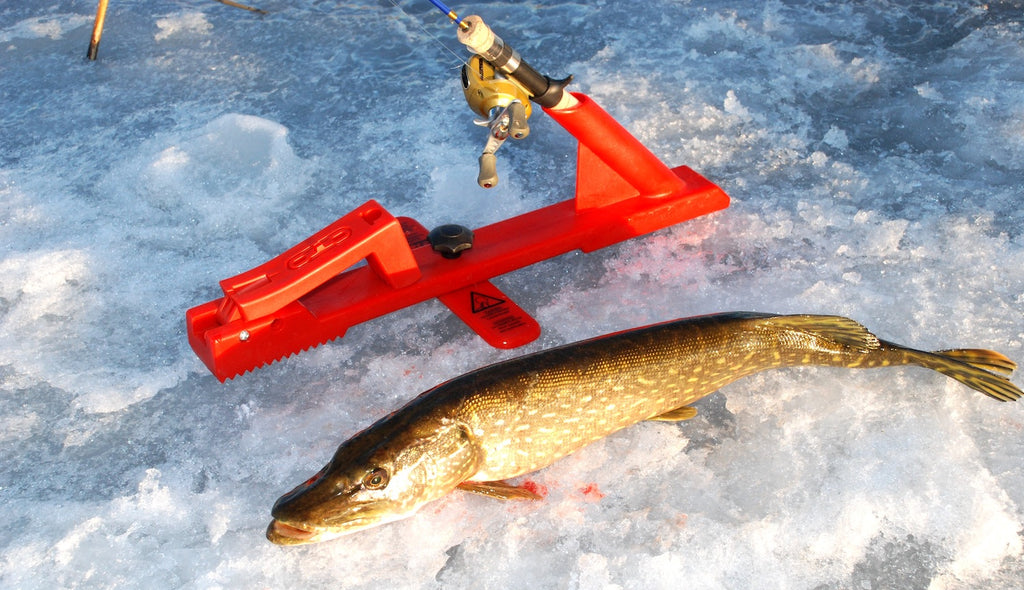 pike fishing tactics ice