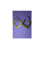 Load image into Gallery viewer, On a bight purple R+D card are two 3D printed earrings. They are hoops that are in the shape of squares. These are printed in a shiny gold.