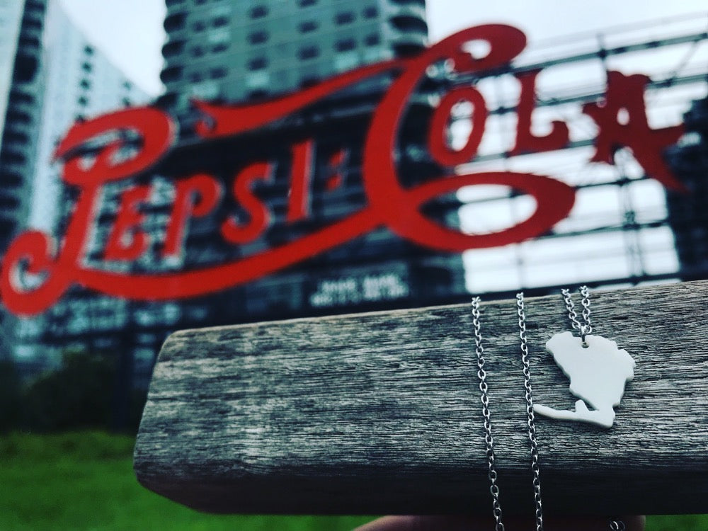 Yaassss, Queens 3D Printed Necklace