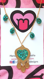 Shimmery ocean necklace