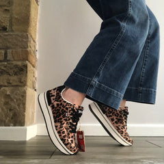 Leopard Trainer from Xti United Kindom