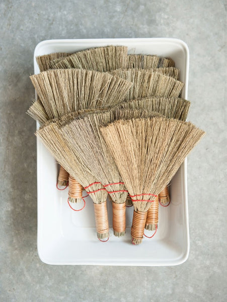 Bamboo Handheld Whisk Broom