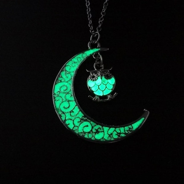 Crescent Moon Glow in the Dark Pendant - Trendmart