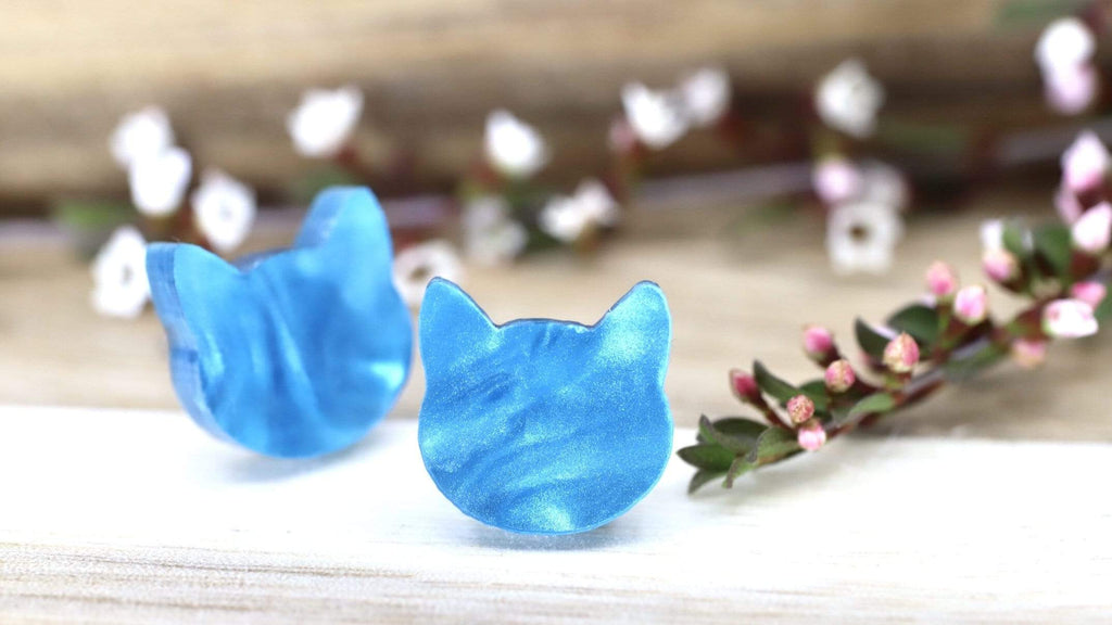 Cat Face Stud Earrings - Pearl Blue