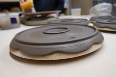 Clay plate with two foot rings