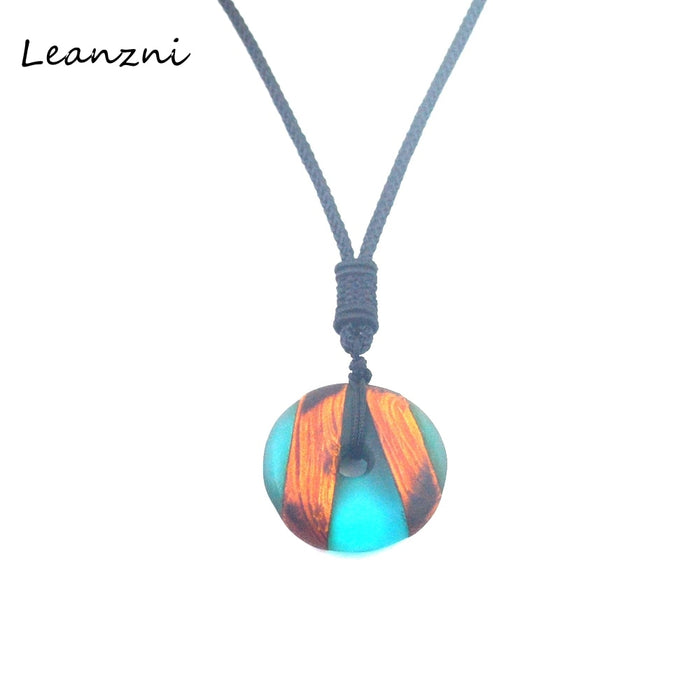 Leanzni Female and male retro Necklace crafts, fashion design, solid wood resin matching, high-grade jewelry pendant - Resonate Crystal