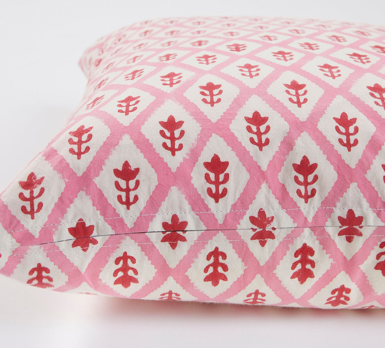 Cushion - Buti - Pink/Red - 70 x 35 cm