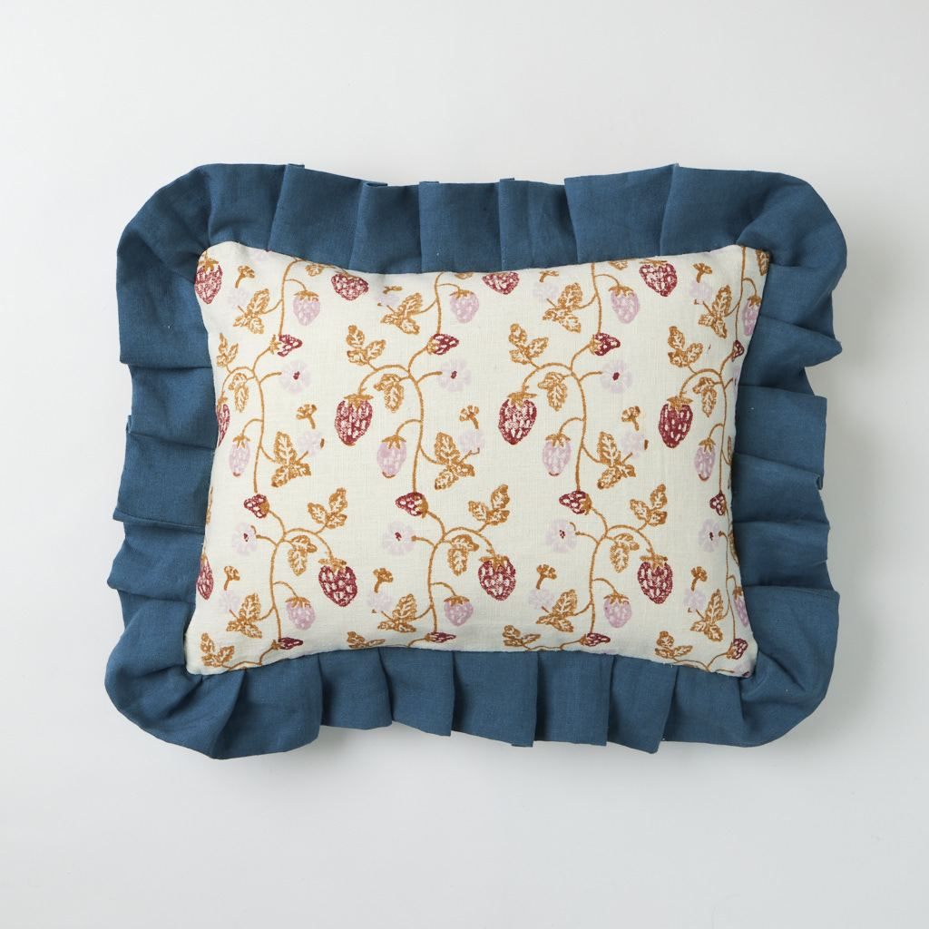 Frill Cushion - Strawberry - Copper - 30 x 40 cm