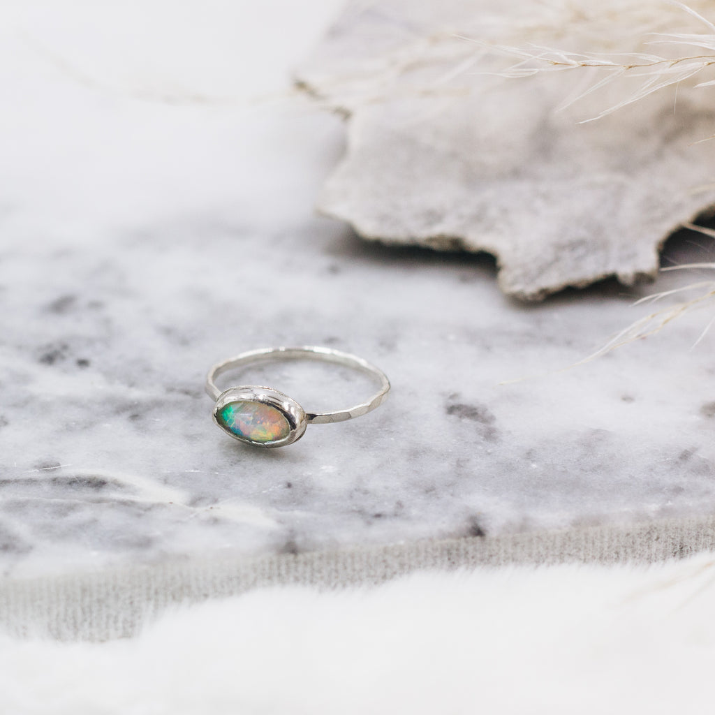 Opal Side Oval Ring