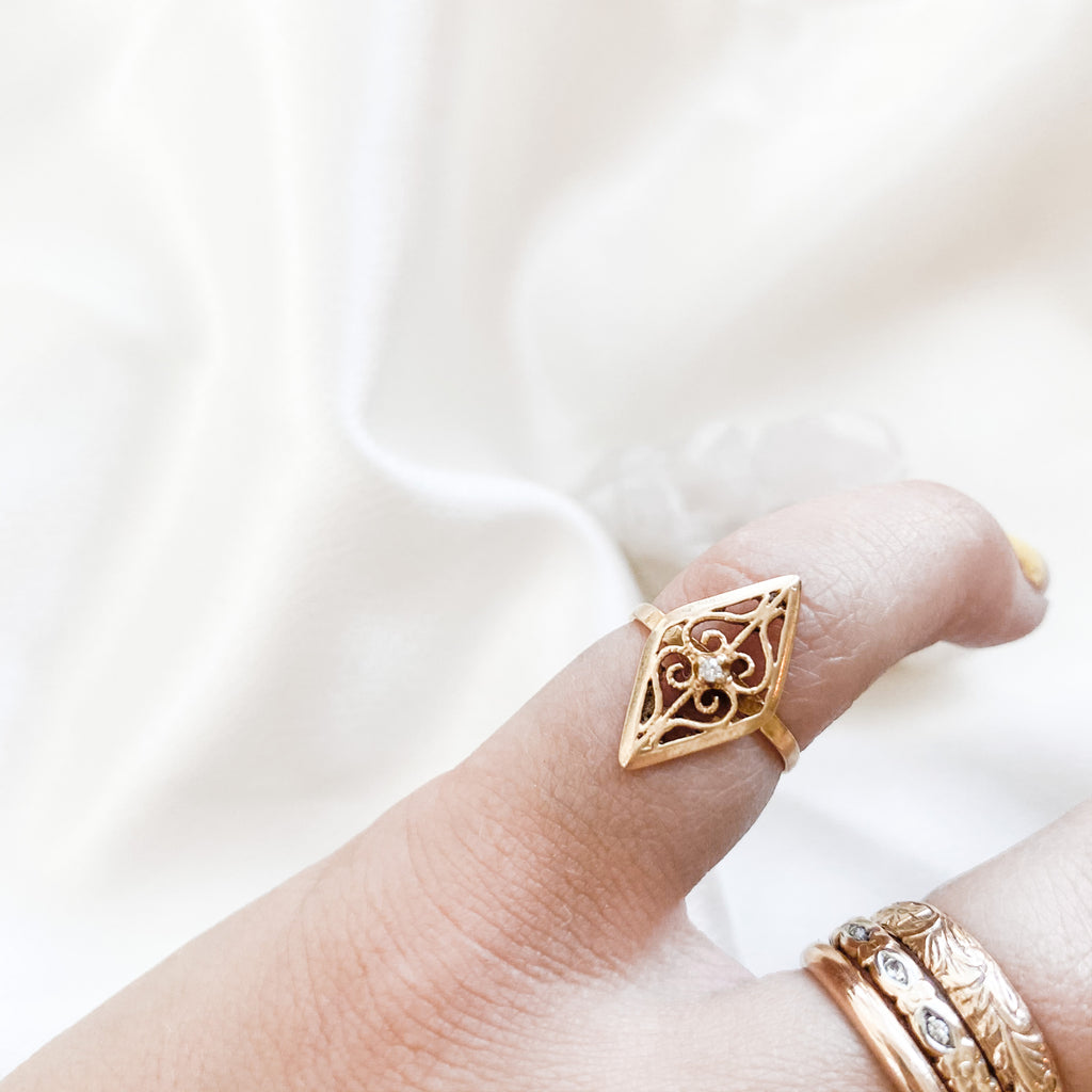 SOLID GOLD Vintage Filigree Ring