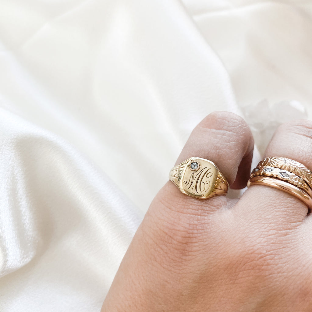 SOLID GOLD Vintage Signet Ring