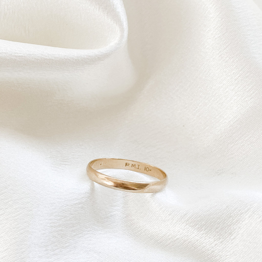 SOLID GOLD Vintage Wedding Band